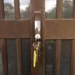 鳥栖 玄関引き戸の鍵が回らなくなった