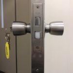 鍵が付いていないドアに鍵を付ける