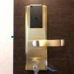 【福岡県内 ビジネスホテル 客室錠前 カードキーに取り替え。】