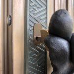 【鳥栖 玄関の鍵が開かない】 錠前の寿命のため、錠前取替え