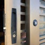 【鳥栖市 玄関の鍵が無いのでどうにかしてほしい】 ご予算に合わせて、扉加工、錠前取り替え