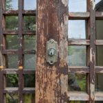 【昔ながらの鍵を今の鍵に取り替え 鳥栖】 木製引き戸を加工して錠前取替え。