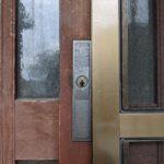 【玄関 木製引き戸の鍵を取替えたい 鳥栖市】